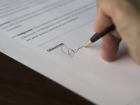 Nullo il contratto sottoscritto solo dal cliente - Studio Legale Dedoni